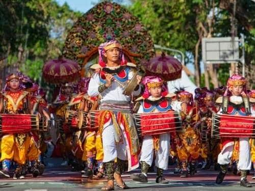 défilé Bali